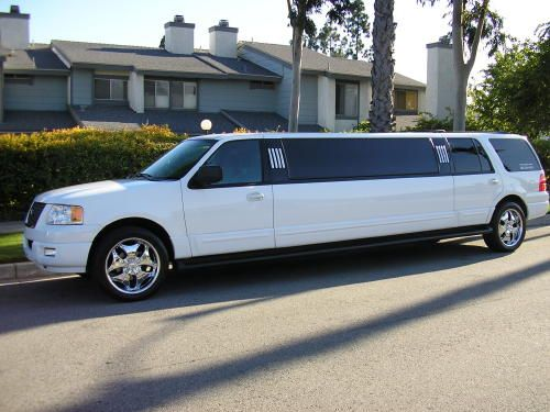 FUN-LIMOS Limousinenvermietung & Limousinenservice in einer Luxuslimousine, absolutes Unikat!!!!